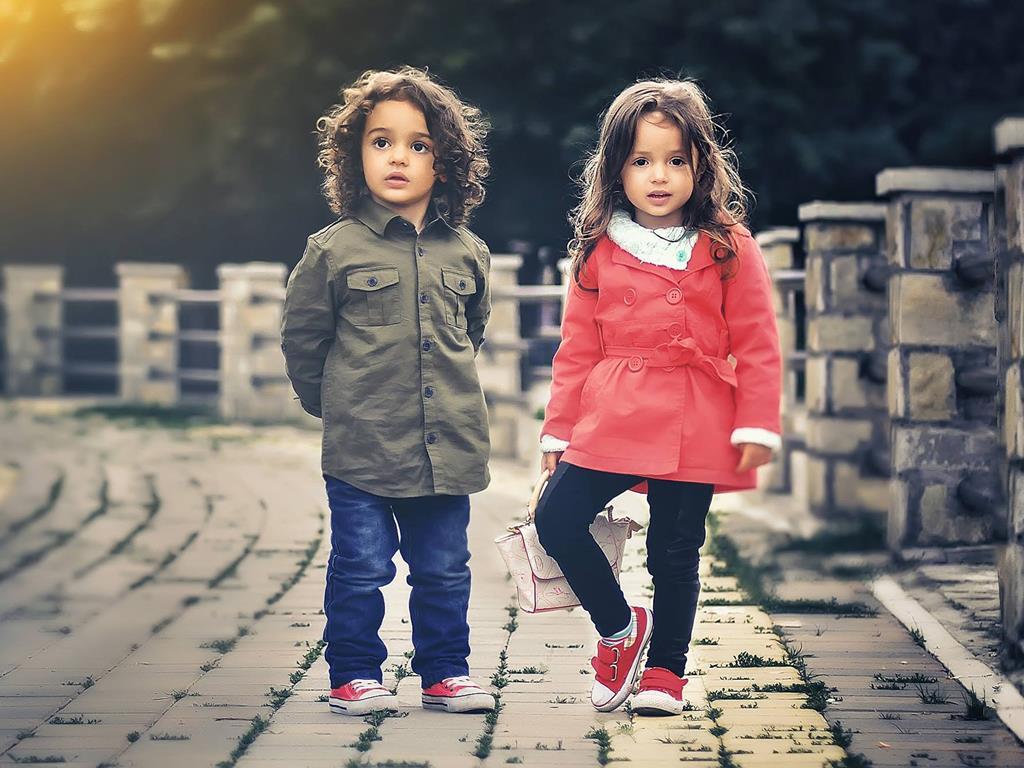 Dzieci pozujące w Juracie.