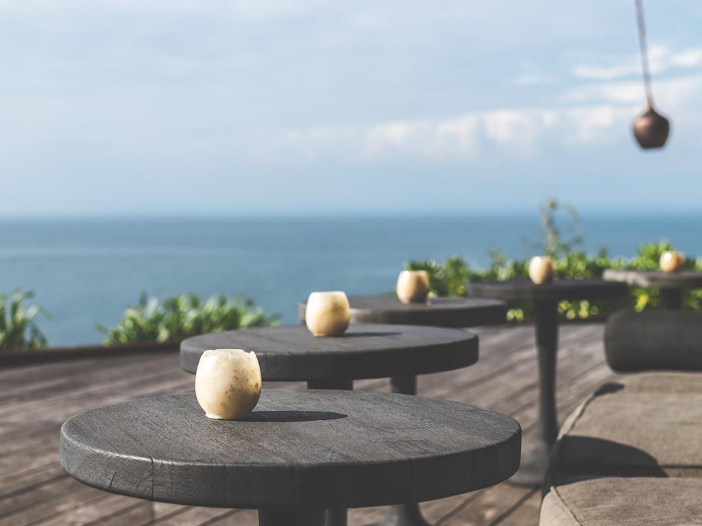 Restauracja z pięknym widokiem na morze w Jastarni.