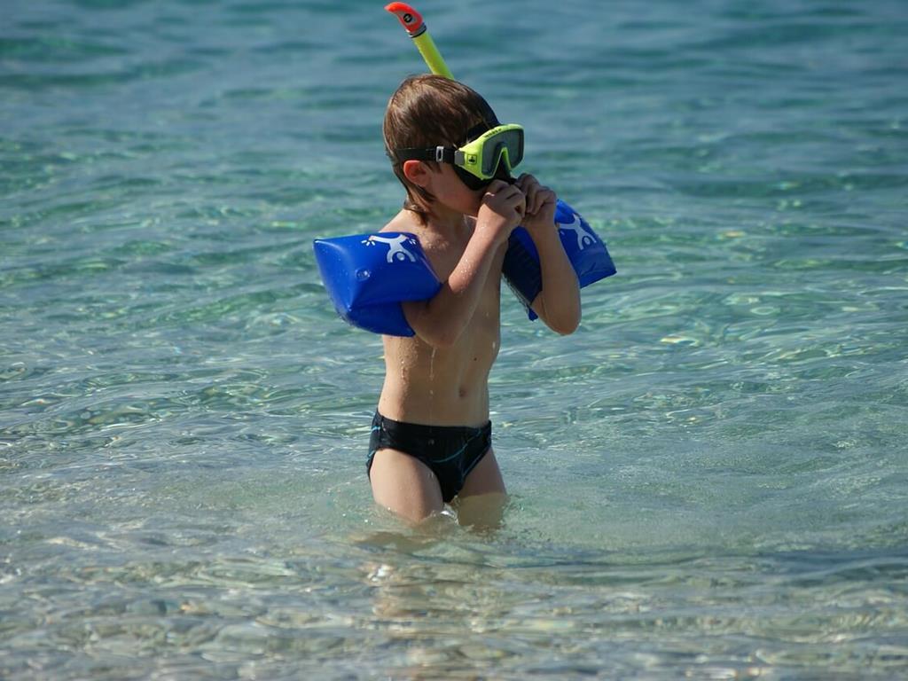 Zabawa na plaży, czyli jedno z atrakcji dla dzieci w Juracie