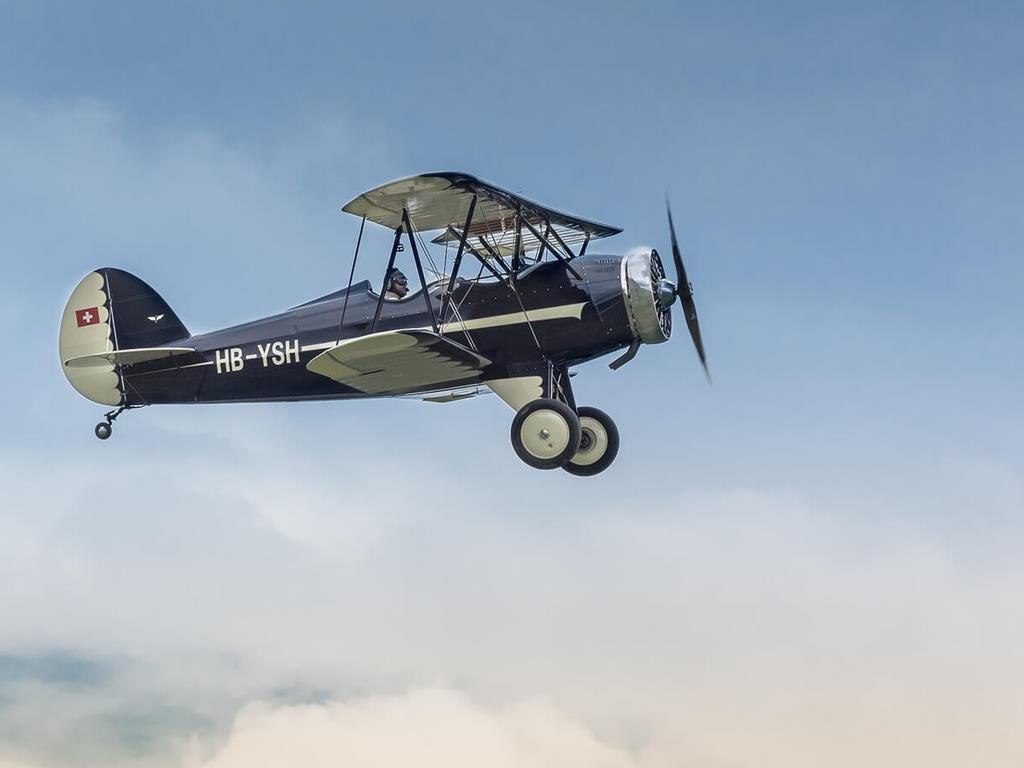 Przelot prywatnym samolotem nad Jastarnią.