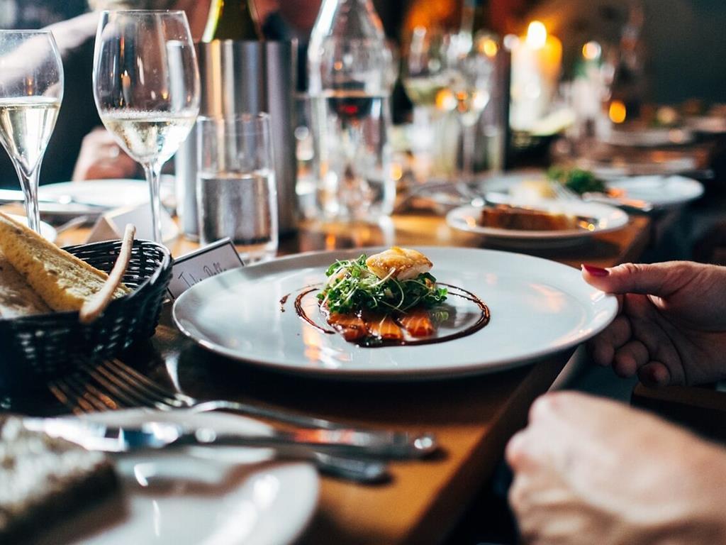 Wykwintna kolacja w restauracji we Władysławowie